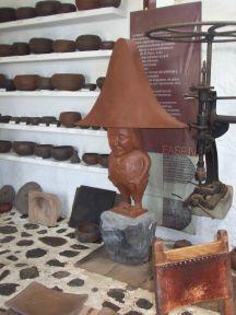 Enano i ler på værkstedet i Mazo