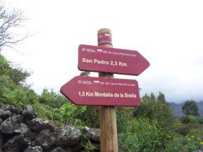 Overalt på øen bliver der sat nye skilte